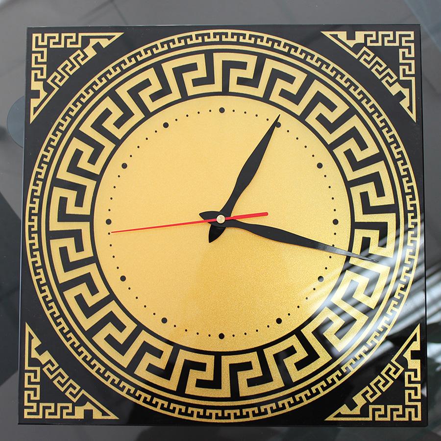Часы: Уф-печать и золотой перламутр