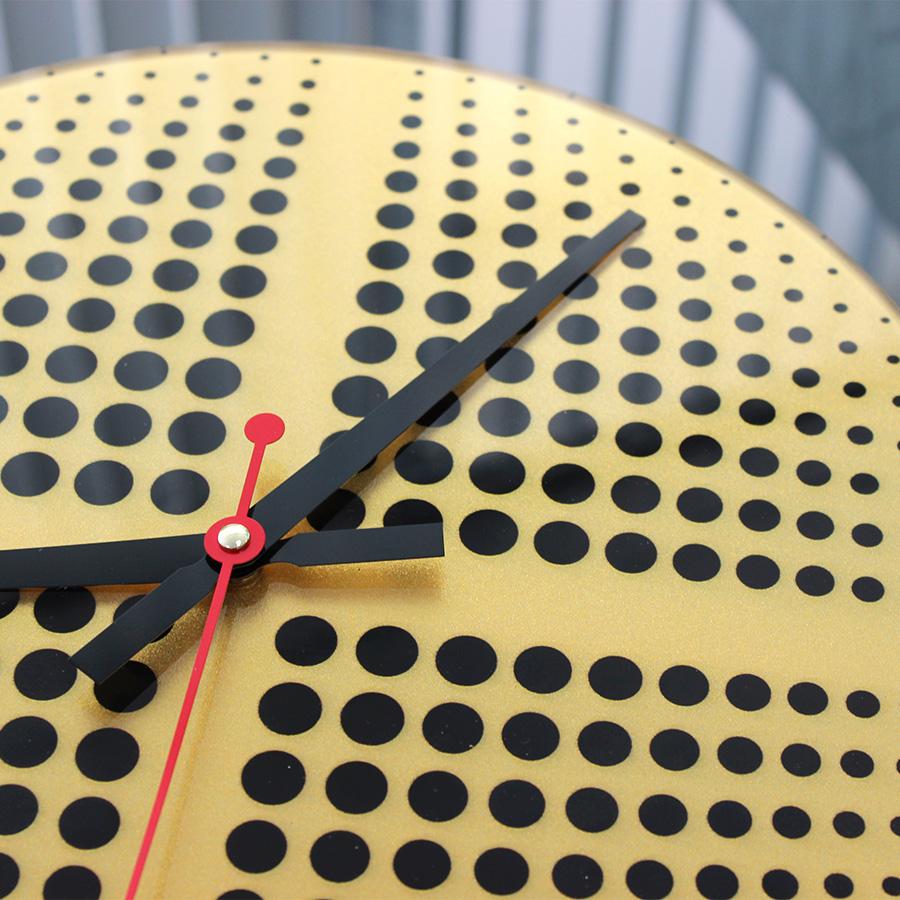 Часы: УФ-печать и перламутр вид сбоку