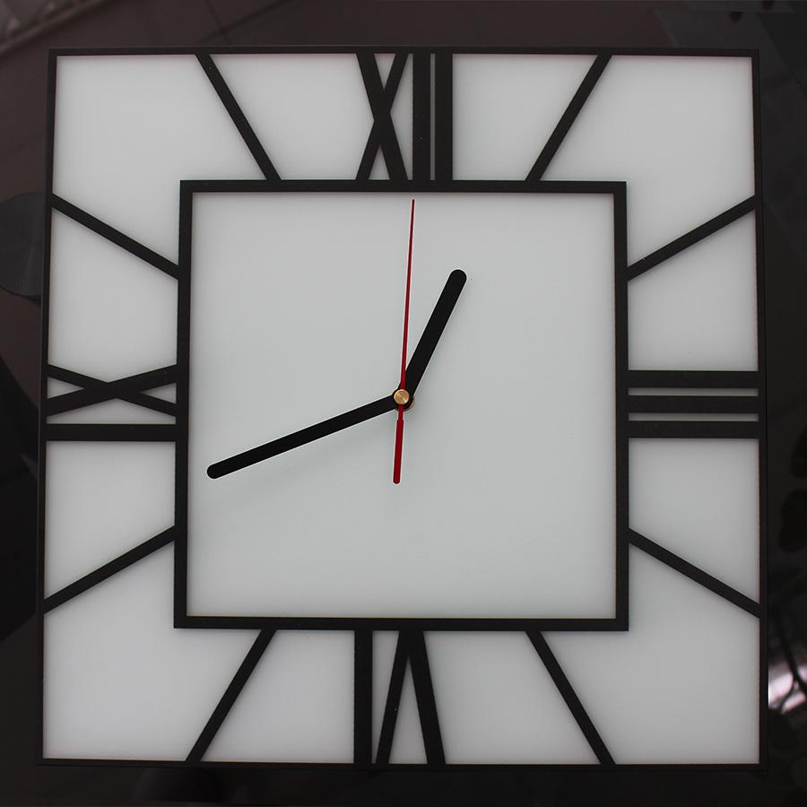 часы на сатине