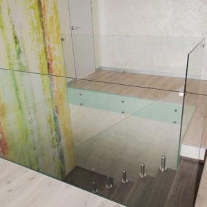 Лестничное ограждение из стекол