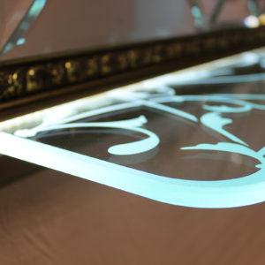 Подсветка стеклянных полок