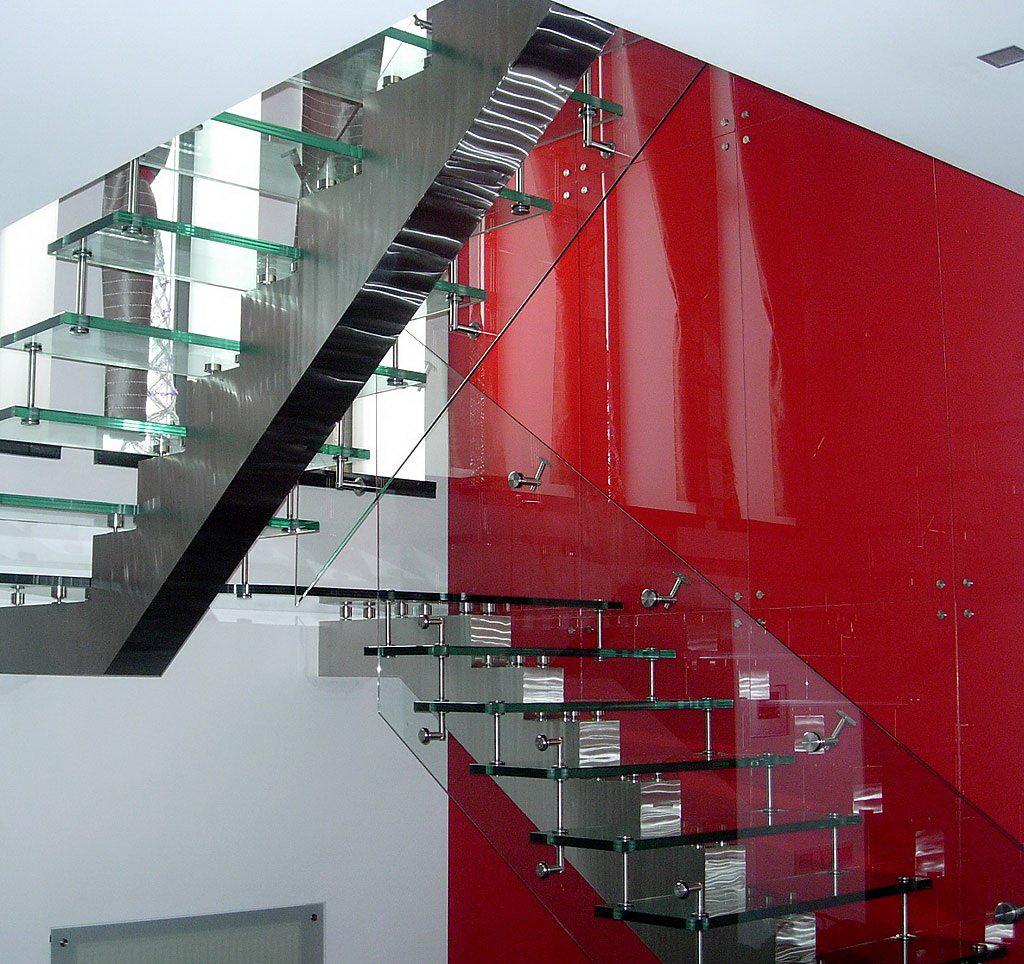 Стеклянный лестница