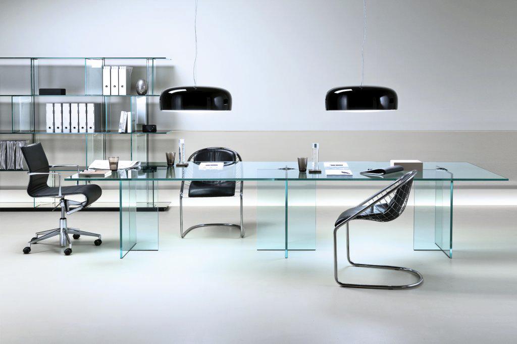 офисная мебель из стекла