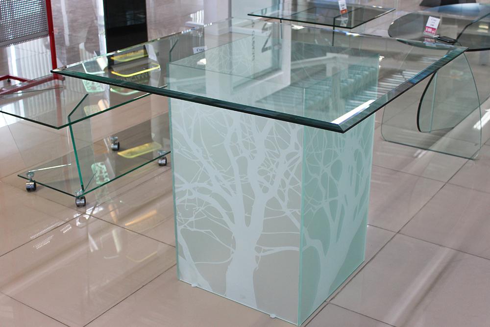 стеклянный стол кухня
