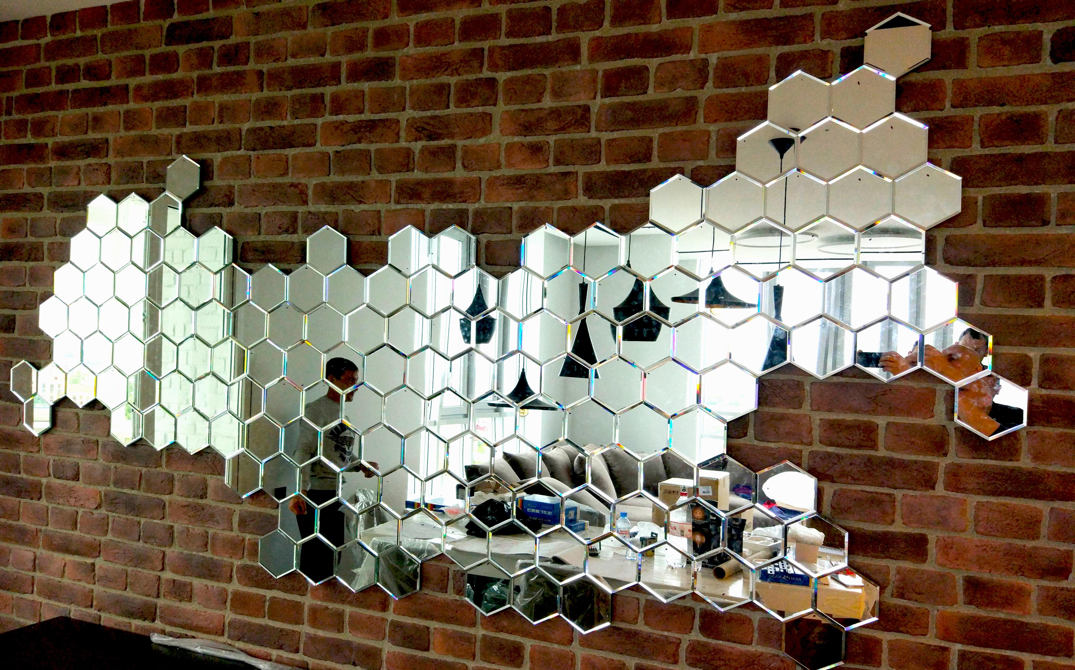 Зеркальное панно в виде географической карты
